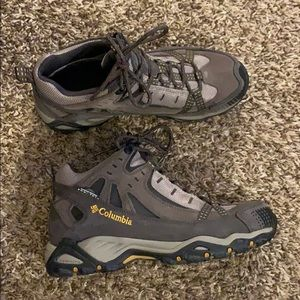 Men's COLUMBIA Omni-Tech waterproof Boots Size 7.5